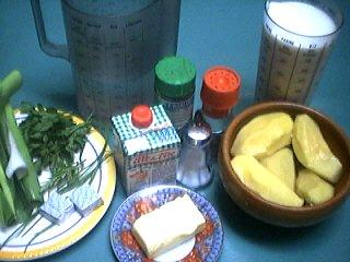 Ingrédients pour la recette : Velouté crémeux aux herbes