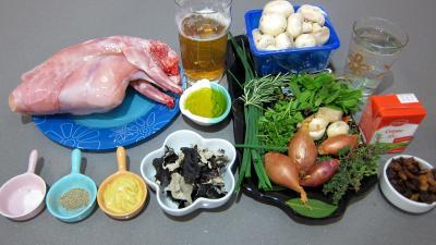 Ingrédients pour la recette : Lapin aux champignons