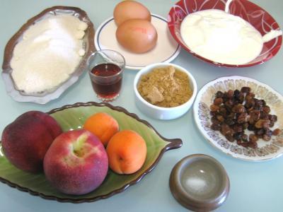 Ingrédients pour la recette : Meringues aux abricots et aux nectarines
