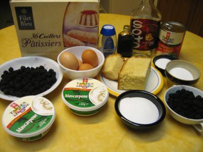 Ingrédients pour la recette : Tiramisu aux mûres et litchies