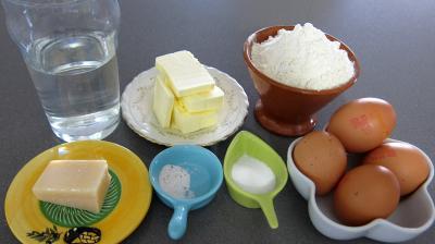 Ingrédients pour la recette : Pâte à choux ou gougères au kenwood