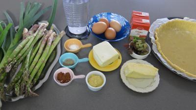 Ingrédients pour la recette : Quiche aux asperges