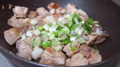 Rouelle de porc au vin blanc en tajine - 6.3