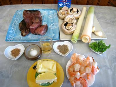 Ingrédients pour la recette : Espadon aux poireaux en cassolettes