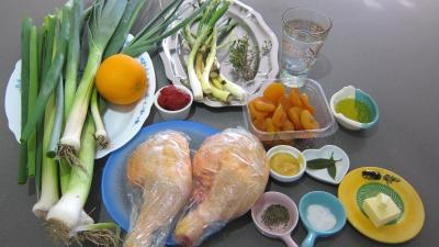 Ingrédients pour la recette : Mijoté de poulet aux abricots