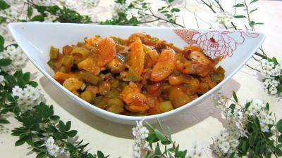 Cuisine landaise : Saladier de mijoté de poulet aux abricots