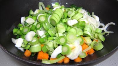Concombre, poireaux et calamars à l'aigre-doux - 6.1