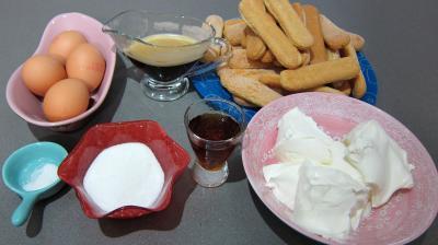 Ingrédients pour la recette : Tiramisu