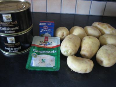Ingrédients pour la recette : Confit de canard sauce gorgonzola