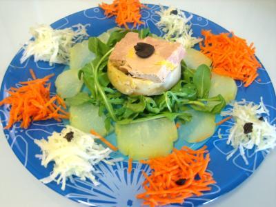 Image : Foie gras en salade chayotte et truffe