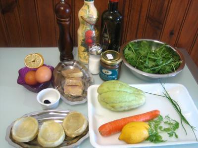 Ingrédients pour la recette : Foie gras en salade chayotte et truffe