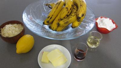 Ingrédients pour la recette : Bananes aux amandes