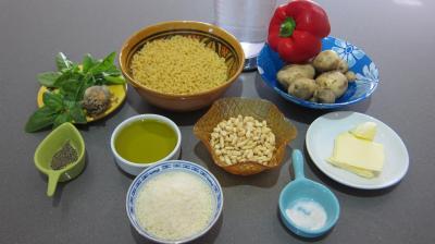 Ingrédients pour la recette : Pâtes coquillettes au pesto