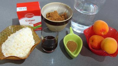 Ingrédients pour la recette : Crème abricots à la noix de coco