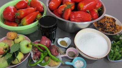 Ingrédients pour la recette : Chutney aux tomates (conserves)