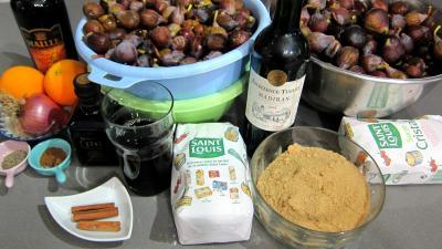 Ingrédients pour la recette : Chutney de figues au vin rouge