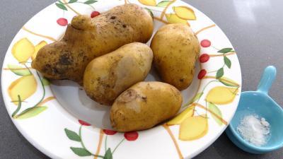 Ingrédients pour la recette : Pommes de terre gaufrettes
