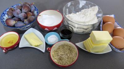 Ingrédients pour la recette : Cake aux figues