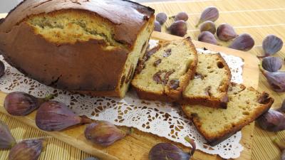 Image : Plat de cake aux figues en tranches