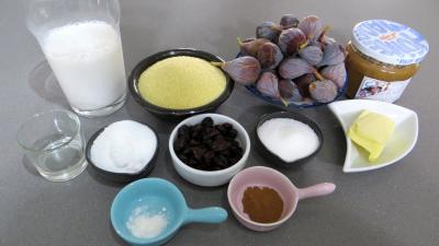 Ingrédients pour la recette : Couscous sucré aux figues en verrines