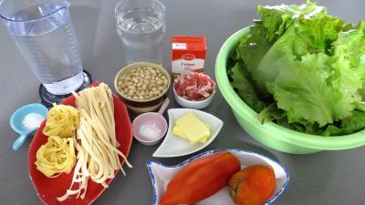 Ingrédients pour la recette : Tagliatelle à la batavia et aux cocos blancs