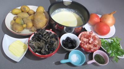 Ingrédients pour la recette : Champignons noirs à la béchamel