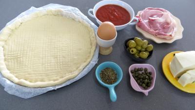 Ingrédients pour la recette : Pizza Capri