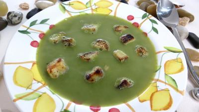 Soupes &amp; potages : Assiette de soupe de pois chiches  la provenale
