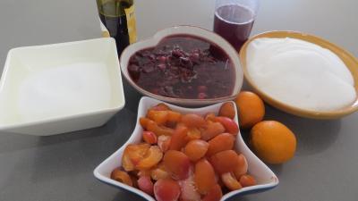 Ingrédients pour la recette : Confiture aux restes de sangria et fruits