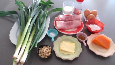 Ingrédients pour la recette : Bouchées de poireaux à la mimolette