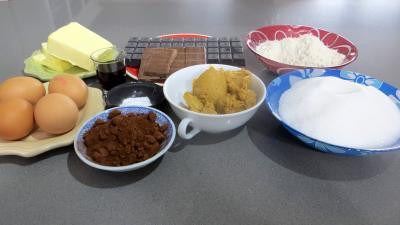 Ingrédients pour la recette : Brownies au beurre de cacahuètes