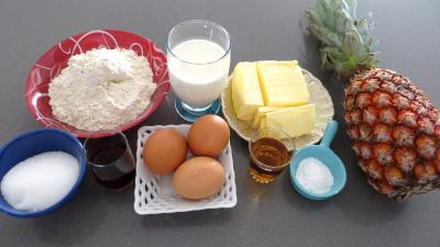 Ingrédients pour la recette : Moelleux à l'ananas