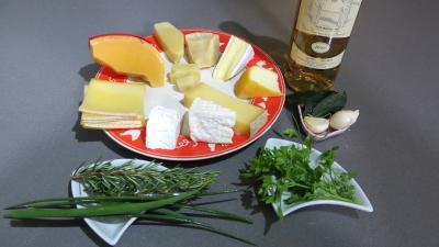 Ingrédients pour la recette : Fromages forts (conserve)