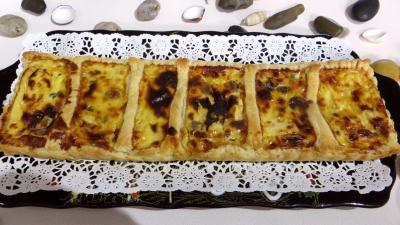 Entrées froides : Tarte feuilletée aux fromages forts