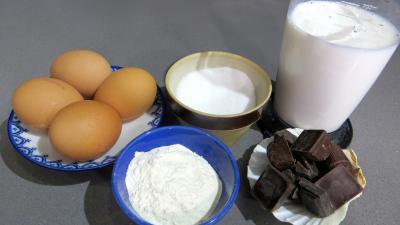 Ingrédients pour la recette : Crème patissière au chocolat
