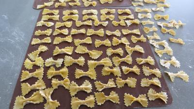 pâtes alimentaires : Pâtes fraîches papillons à la semoule de blé