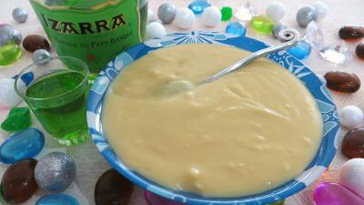 Image : Ramequin de crème pâtissière à l'Izarra