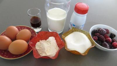 Ingrédients pour la recette : Crème pâtissière aux mûres