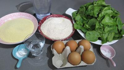 Ingrédients pour la recette : Tagliatelles fraîches aux épinards
