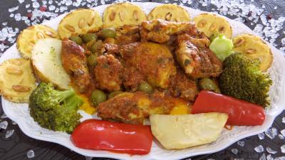 plat complet : Assiette de poulet sauté et ses toasts pois chiches