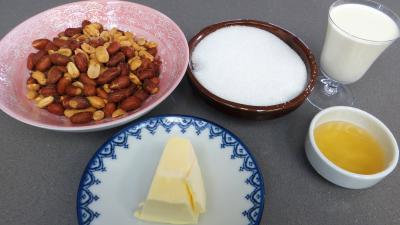 Ingrédients pour la recette : Caramels aux cacahuètes