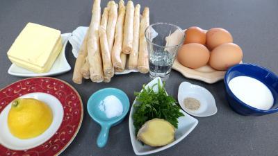 Ingrédients pour la recette : Asperges sauce mousseline revisitées
