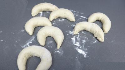 Pains croissants aux lardons et oignons - 6.3