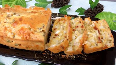 tomate séchée : Assiette de cake au fromage de chèvre