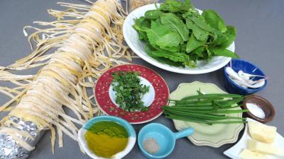 Ingrédients pour la recette : Sauce tagliatelles à l'ail et à l'oseille