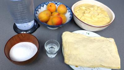 Ingrédients pour la recette : Abricots à la danoise
