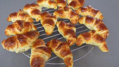 Croissants à la crème aux abricots - 13.4