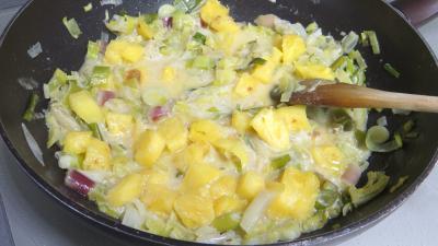 Tagliatelles fraîches aux oignons et ananas - 6.3