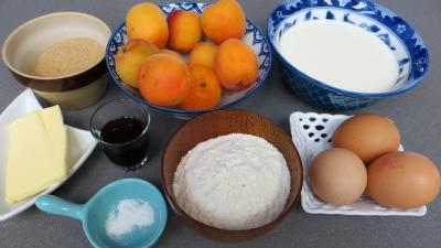 Ingrédients pour la recette : Clafoutis d'abricots