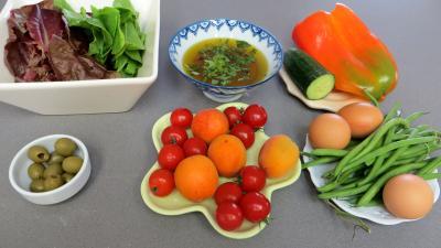 Ingrédients pour la recette : Salade d'été aux abricots